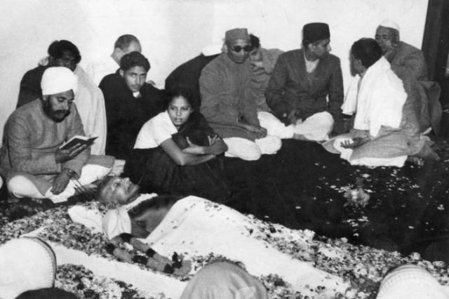 gandhi.ji.death..2.jpg
